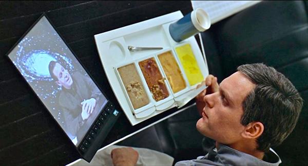 Már az 1979-es, Stanley Kubrick rendezte 2001: Űrodüsszeia c. filmben is szerepel a tablet koncepciója