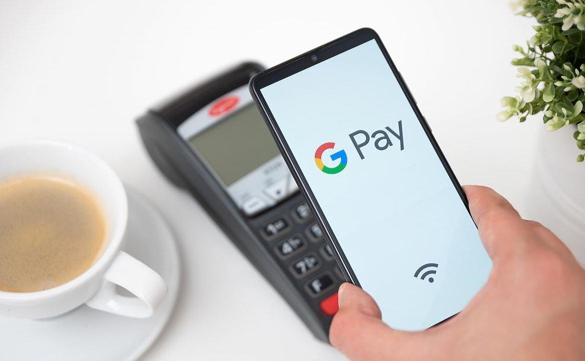 Indul a Google Pay mobilfizetés, a hazai bankok közül elsőként a K&H-nál