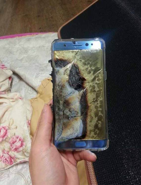 Galaxy-Note-7-explodes-01