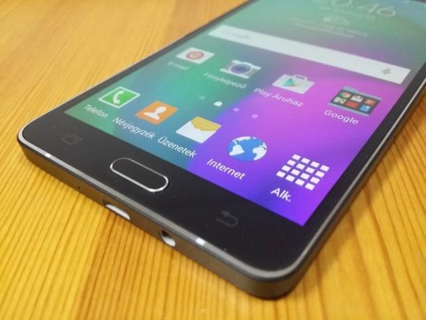 Samsung-Galaxy-A7-kijelzo-3