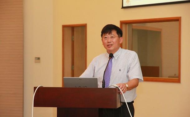Stephen Chou Professzor