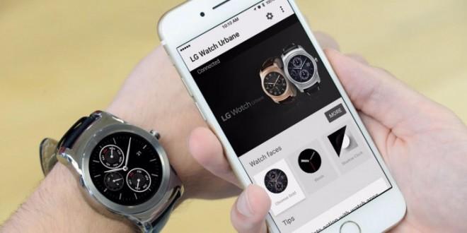 Az androidos okosórák már iPhone-nal is működnek
