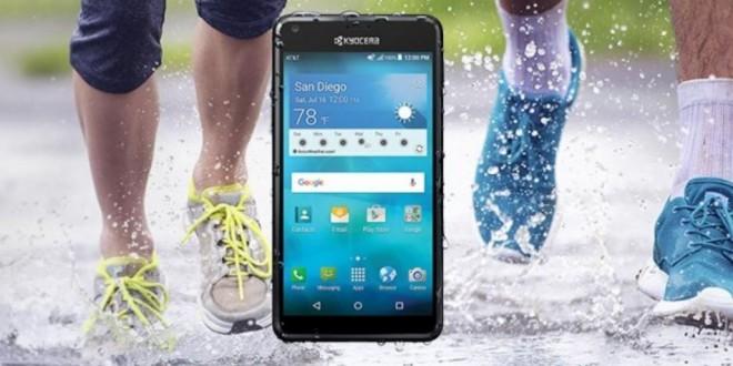 Szuperolcsó vízálló mobilt villantott a Kyocera