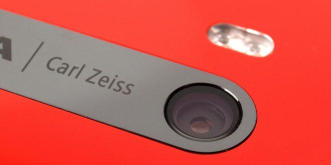 Mégis jöhet új, Carl Zeiss optikás Nokia csúcsmobil