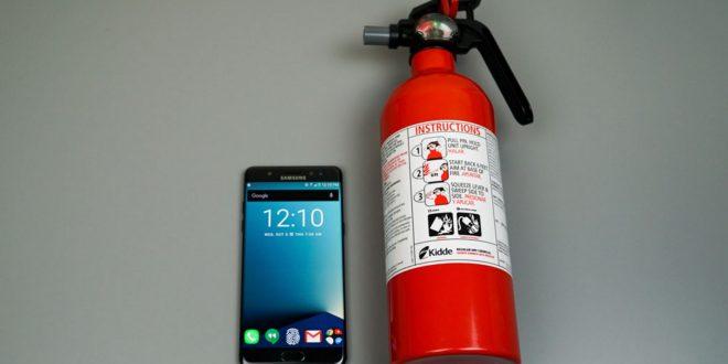 Nem vicc: Beépített tűzoltóval szerelt mobilok jöhetnek