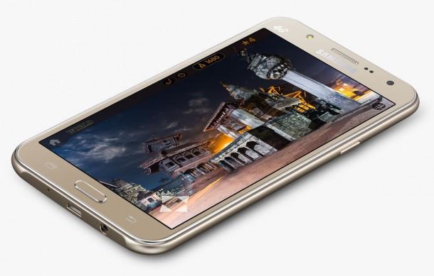 c848e1c897f2 Előlapi vakuval érkezett a Samsung Galaxy J5 és J7